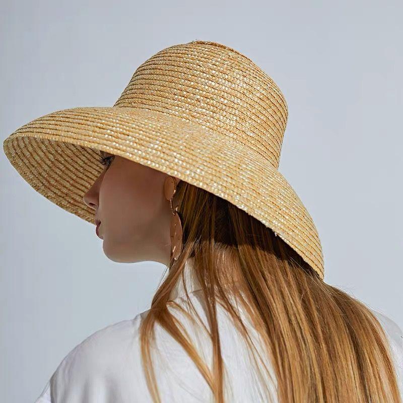 Vintage francese Hepburn Mesh colori primari cappello di paglia di Sun Seaside Beach Cappello estate femminile Big protezione di Sun a mano Partita Y200714 di alta qualità