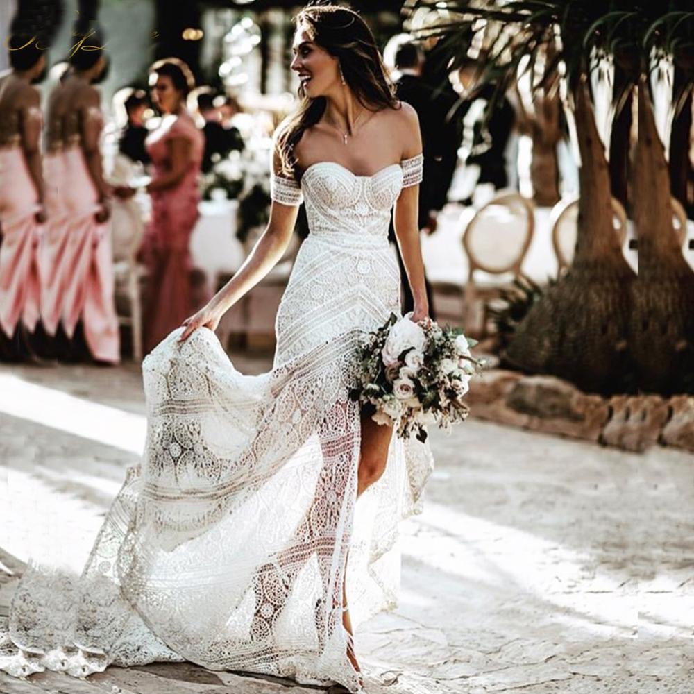 2021 Bohemian Abiti da sposa fuori dalla spalla Appliques del merletto nuziale Gowns Backless sweep treno Plus Size A-Line Abito da sposa
