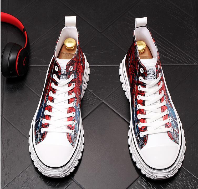 2020 Männer Straßen Art und Weise hohe Spitzen Text Causal Wohnungen Plattform Schuhe Loafers Mokassins Male Designer-Schuh Sapato Social Masculino DA48