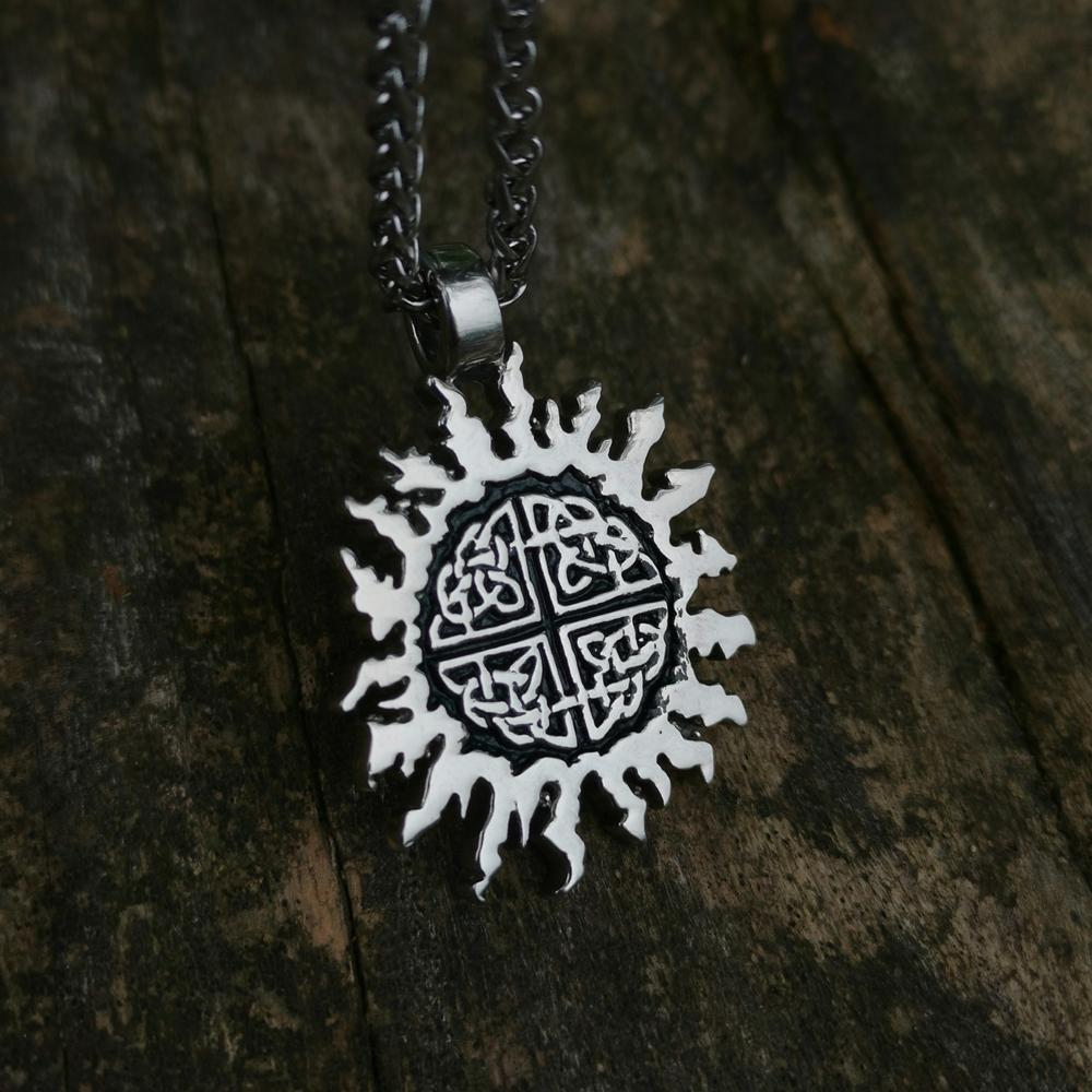 Triquetra Celtics Knot Sun aço inoxidável 316L Charme Pendant Viking jóias dom Amulet