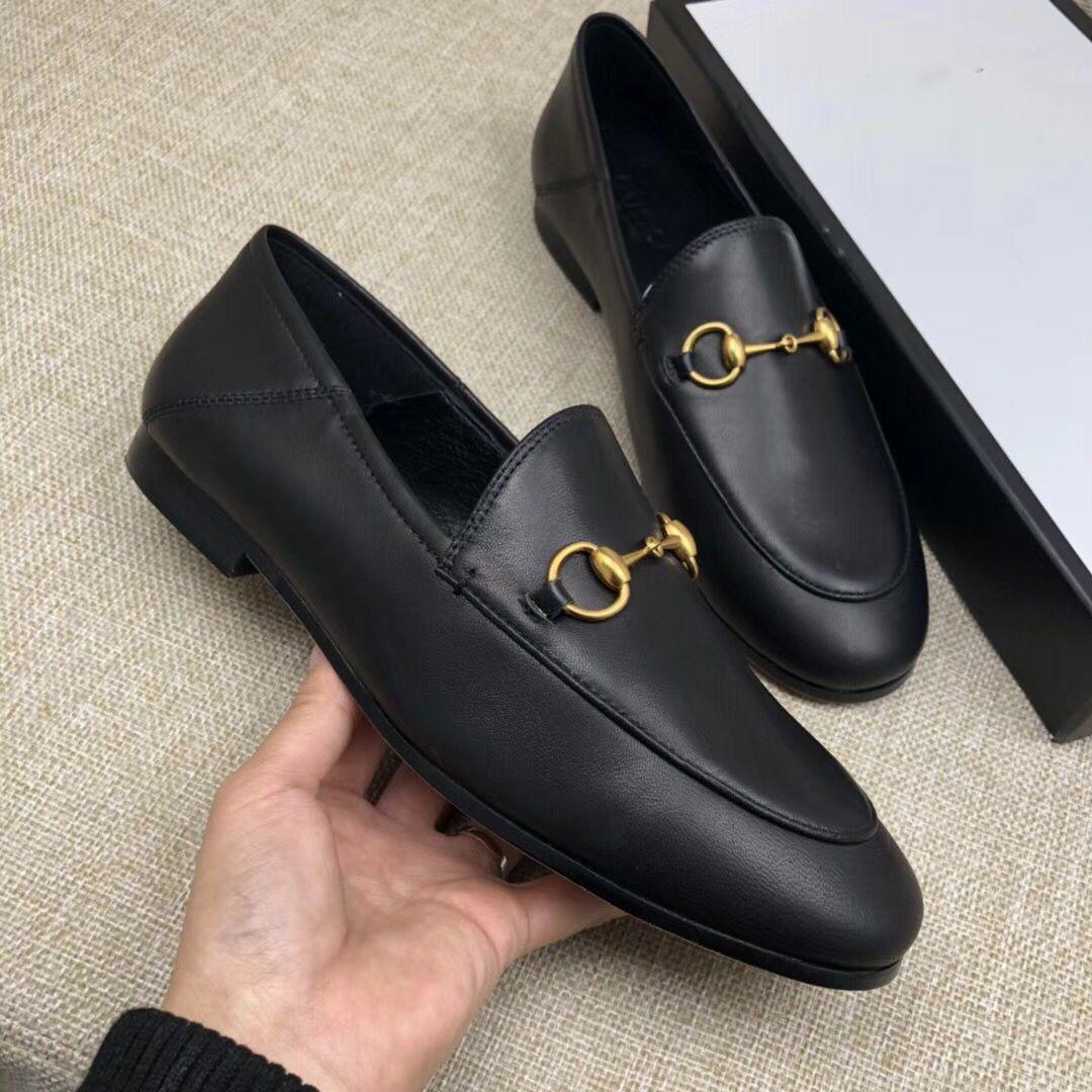 Bester Verkauf 2019 Frauen-echtes Leder Art und Weise Loafers Luxus Mules Schuhe Qualitäts-Mokassin Schuhe Trensen Freizeitschuhe C01