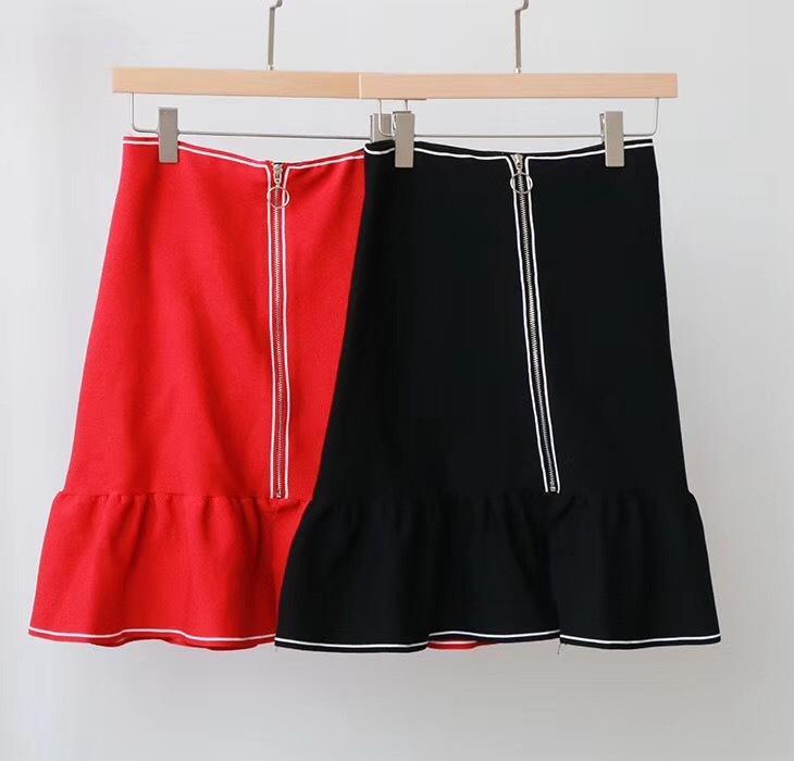 Frauen Strick A-Linie Mermaid Rock-Schwarz-rote Farben-Reißverschluss mit hohen Taille reizvolle netten Trompete Minirock Frühlings-Herbst-Winter-Kleidung