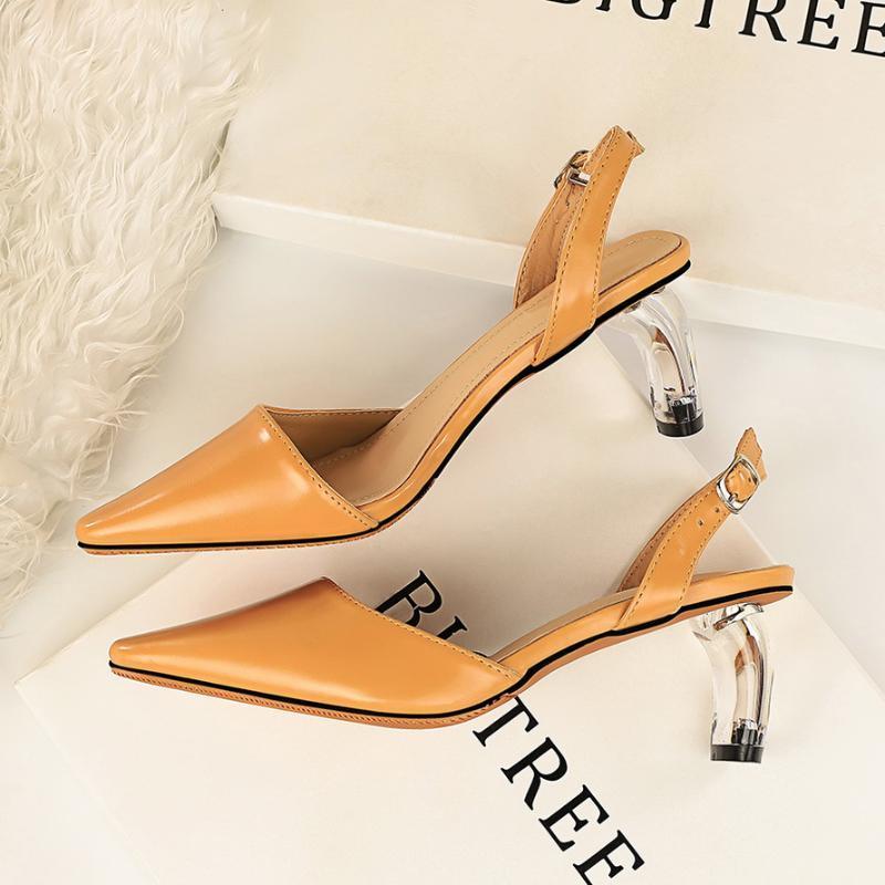 2020 novas Mulheres 5.5cm Salto Alto Senhora Amarelo Sandálias de couro Stripper transparentes Bloco claros saltos baixos sandálias de luxo Sapatos