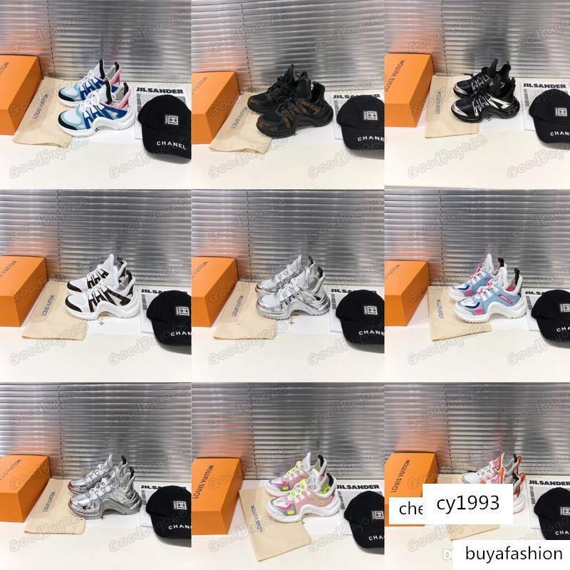 design de moda das mulheres NOVAS casuais Sapatos de salto alto mulheres clássicas com caixa Tamanho: 35-39 Baixa de salto alto vestido de festa de altura sapatos crescente