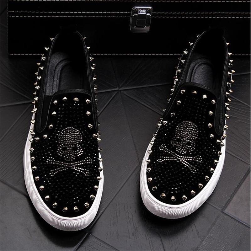 2020 crânio Homens sapatos brancos diamante Pedrinhas tocão Calçado homens Rebites Casual Flats sneakers tamanho atacado 38-43