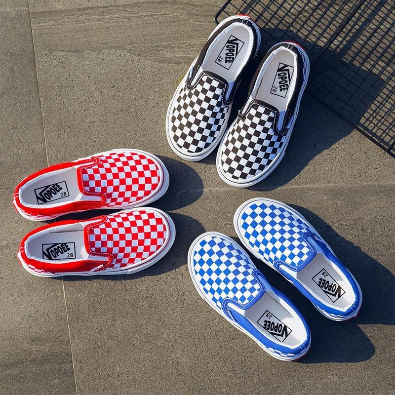 zapatos de tela de lona 2.019 pies Nueva lona de la manera de la manga del bebé del bebé de la tela escocesa de los niños estudiantes antideslizante zapatos del tablero vulcanizados