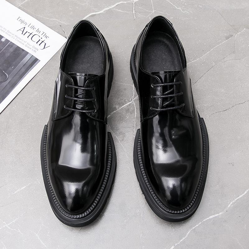 Zapatos de vestir guapo2021 Moda de la moda de los hombres de cuero y atmósfera, estilo europeo, cómodo, sinodero.