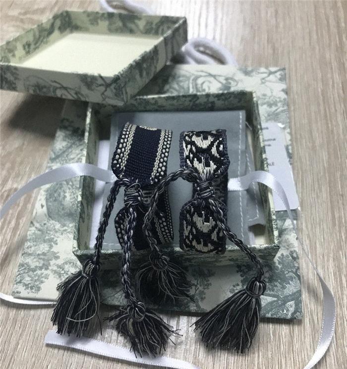 Top bracelet en tissu Femmes D Coton Lettre Bijoux Signature Broderie Bracelet tissé Tassel boîte à lacets 3HNC #