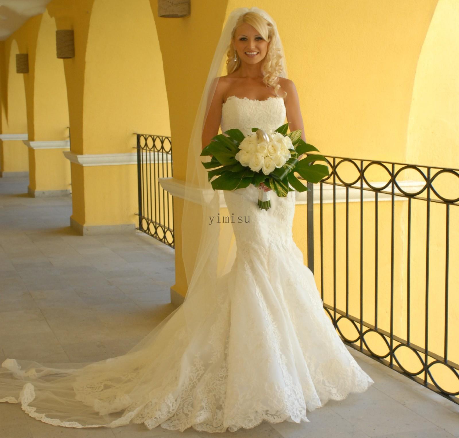 Lace Mermaid Wedding Dresses Strapless Sweep Train Appliques Garden Country Bridal Gowns vestidos de novia Customized robes de mariée