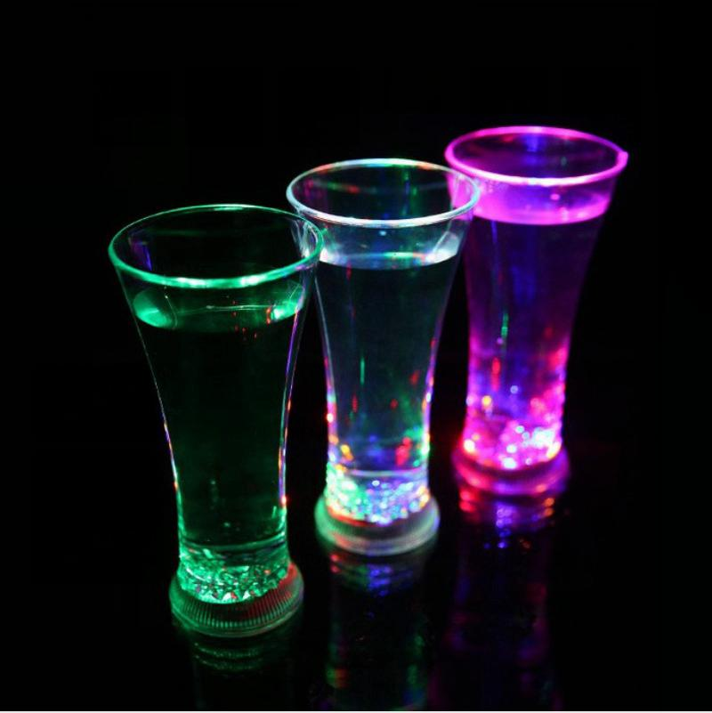 Funny Drinkware Rainbow Color Cup Flashing LED Cups Water Mug Cool Drink Beer Wine Glasses Bar Party Decoration Sea Shipping DDA170
