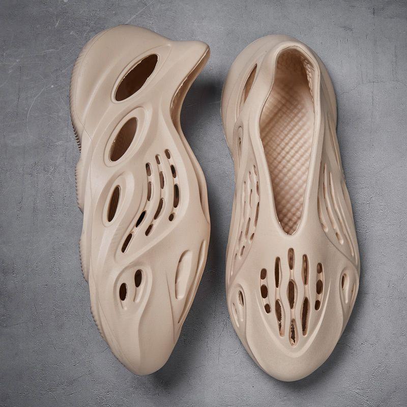 2020 Sapatos de Verão do clássico Estilo Europa Casal Chinelos Homens Sandals suave furo calça as sapatilhas Kihaki Outdoor Praia Sandálias MX200617