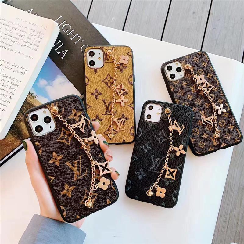 cas design de luxe de téléphone pour iphone 8 plus avec des ornements de la chaîne pour Iphone XR XS MAX 7Plus Retour couverture PU Housse de téléphone de la marque en cuir