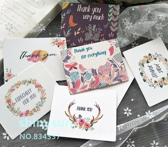 "50pcs / lot de la mezcla colorea Nueva guirnalda de la flor tarjeta de ""gracias"" Pequeña tarjeta de mensaje de regalo grabable 6x8cm decoración TX2l #"