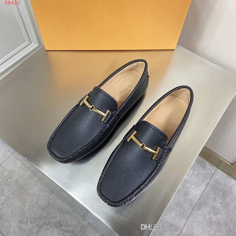 atmosfera high-end azul marinho e preto senhora sapatos de casamento Moda high-end atmosférica sapatos masculinos hardware ouro projeto decoração