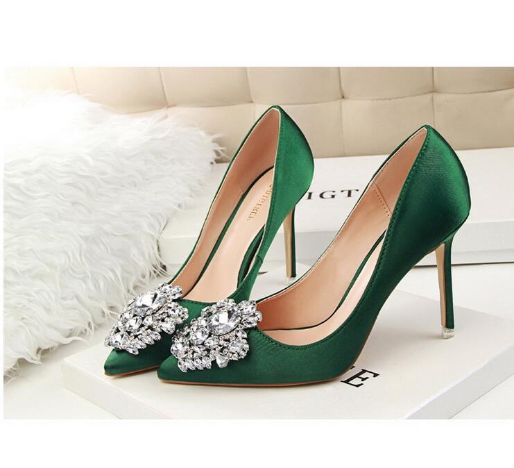 Moda Klasik Su sondaj kadın ayakkabıları, ince topuklu yüksek topuklu ince ince ağız tek ayakkabı 34-39 toka parlak su matkap sivri seksi