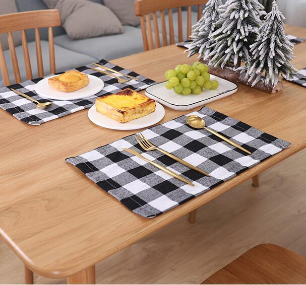 Plaid Placemat Christmas Decoration Red Black Plaid Table Cutlery 44*29cm Plate Place Mat Tablecloth Xmas Home Party Decorations GGA3562-6