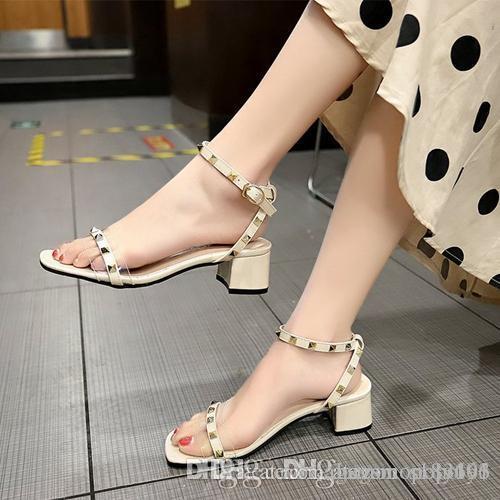 Chaussures sandales les plus récents concepteur de hauts talons partie sandales femmes rivets mode de luxe Chaussures explosion