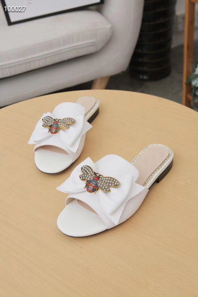 Moda di lusso pantofole di estate donna cartone animato grande testa spiaggia pantofole designer in pelle sandali piatti in pelle hotel metallo ape pantofole di grandi dimensioni 35-42