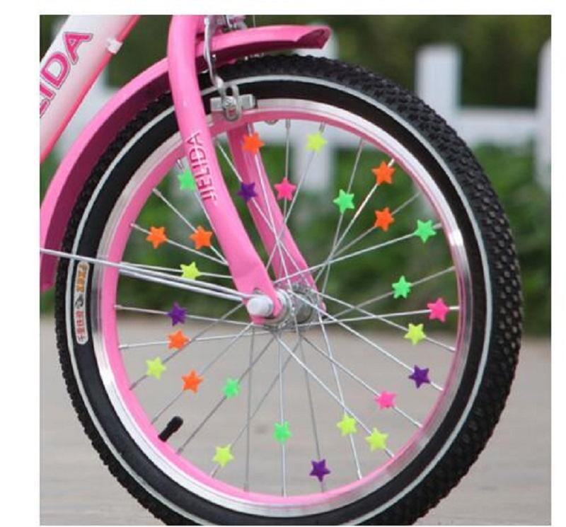 36PCS Roue de bicyclette Spoke perles étoile en plastique Perles multi couleur enfants Décoration vélo Clips colorés Cadeaux Enfant Bébé Vélo Accessoires