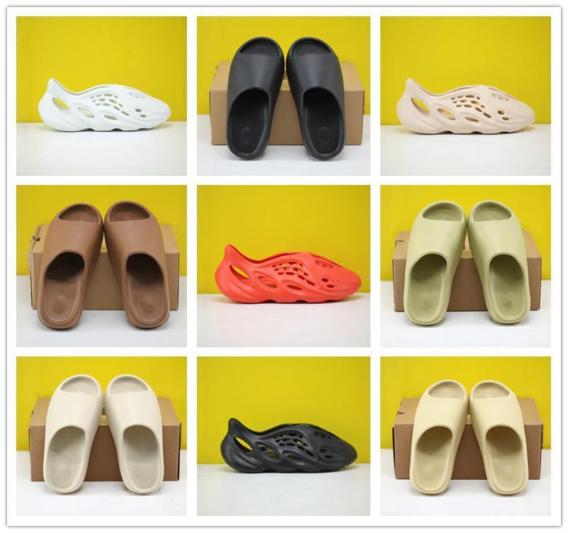 2020 últimos zapatos de Kanye West Zapatilla Hombres Mujeres Bone Marrón Tierra de arena del desierto de diapositivas Resina estilista sandalias de triple negro Tamaño espuma Runner 36-45