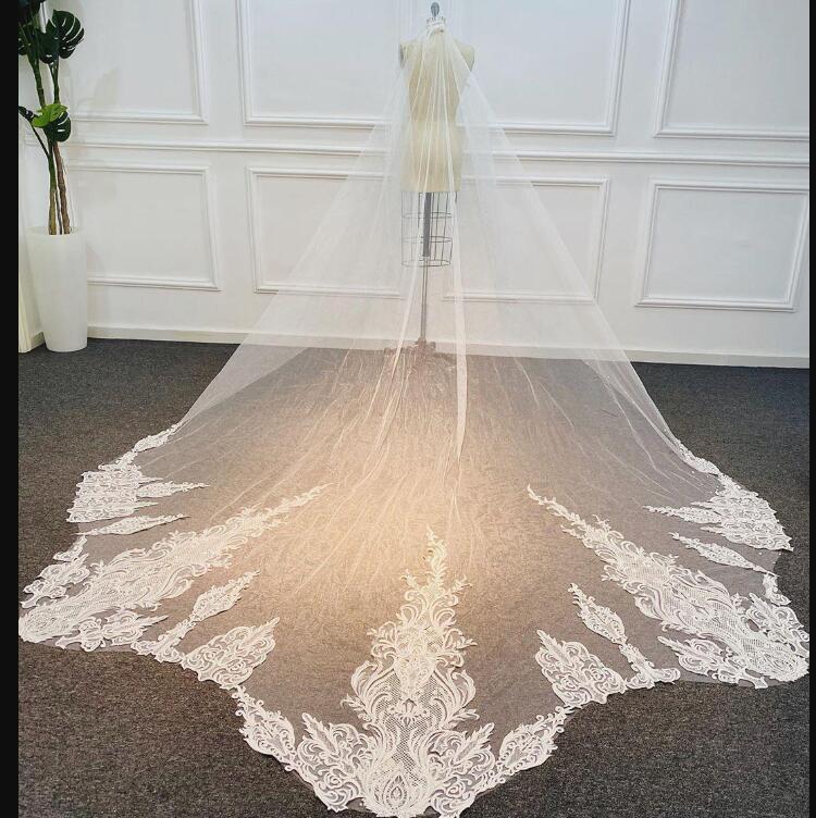 AYDINLATMA Stokta Uzun Gelin Duvağı Beyaz Fildişi Tasarımcı Vestido De Noiva Longo Düğün Veil ile Şapel Uzunluk Gelin Veils