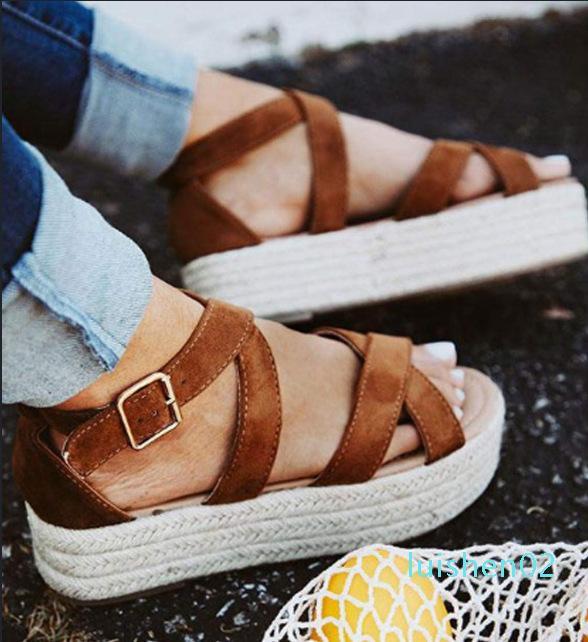 Med 2020 Sandales Femme Chaussures Chaussures noires pour les femmes avec talon Boucle de grande taille moyenne Croix de femmes L02 Ladies Beige Mode