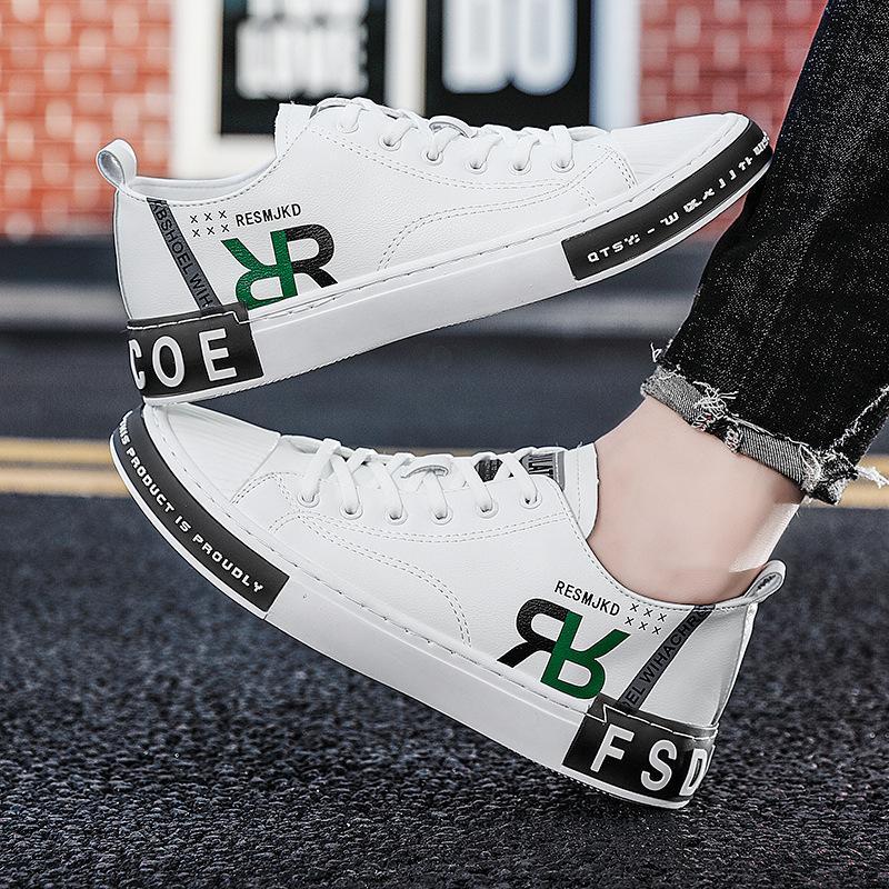 le scarpe da tennis dei nuovi uomini 2020 estate sottile lettere di personalità scarpe casual moda coreana sport scarpe da uomo alla moda di