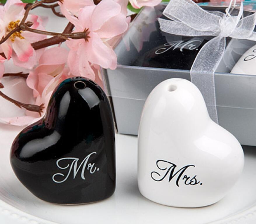 Mr.& Mrs. Heart Ceramic Salt &Pepper Shakers Wedding Favors Bride and Groom Salt and Pepper Shaker