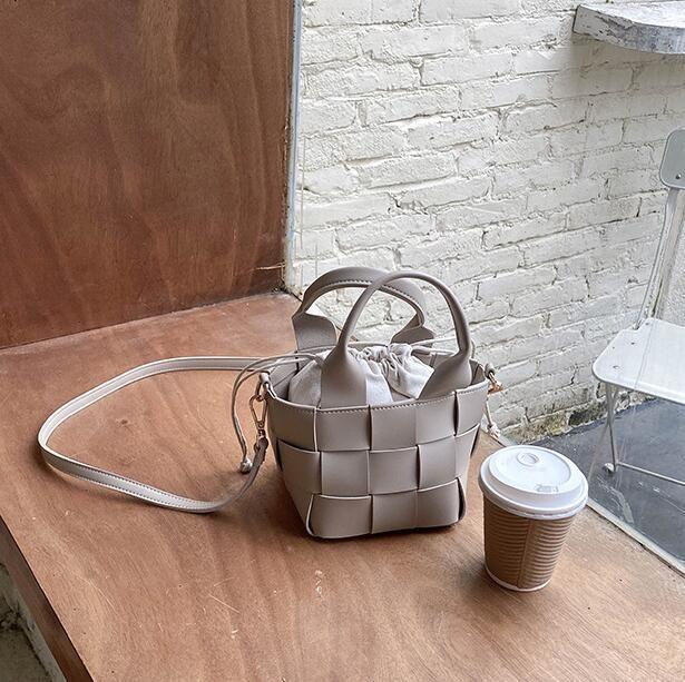 Donne calde di vendita mini Bucket Bag Moda Crossbody Borse PU sacchetto tessuto Ragazze Piccolo Beach Bag