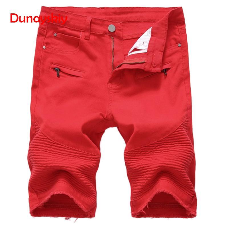 Los cortocircuitos ocasionales de los hombres nuevos cortocircuito del verano de los pantalones manera derecho adelgaza pantalones cortos de mezclilla masculino Negro rasgado longitud de la rodilla Negro Blanco Rojo