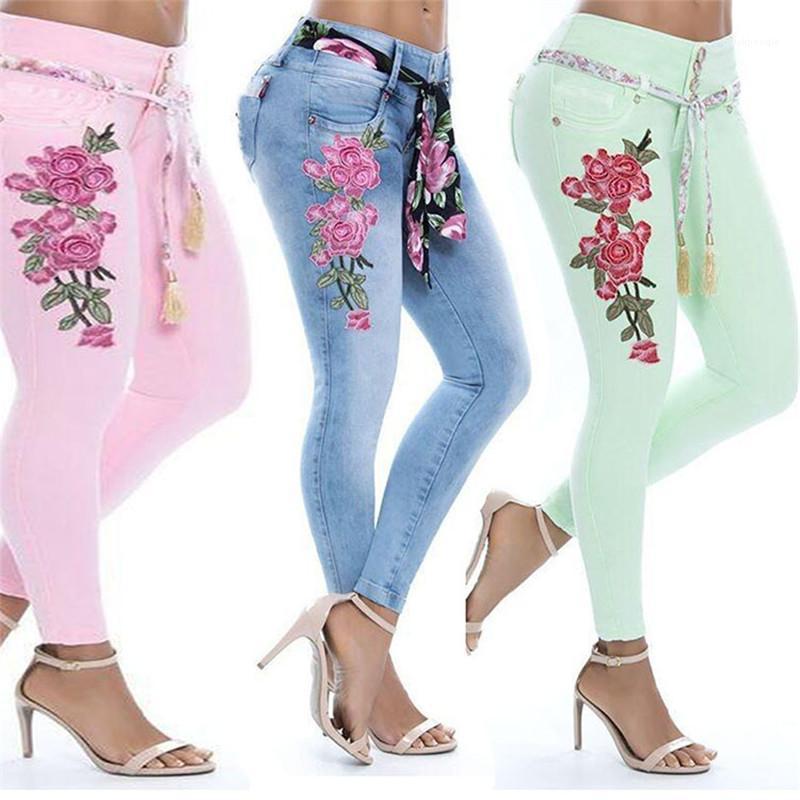 Tasarımcı Artı boyutu 5XL Jeans Katı Renk Orta Bel Çiçek Nakış Kalem Pantolon Moda Kadın Giyim Kadın