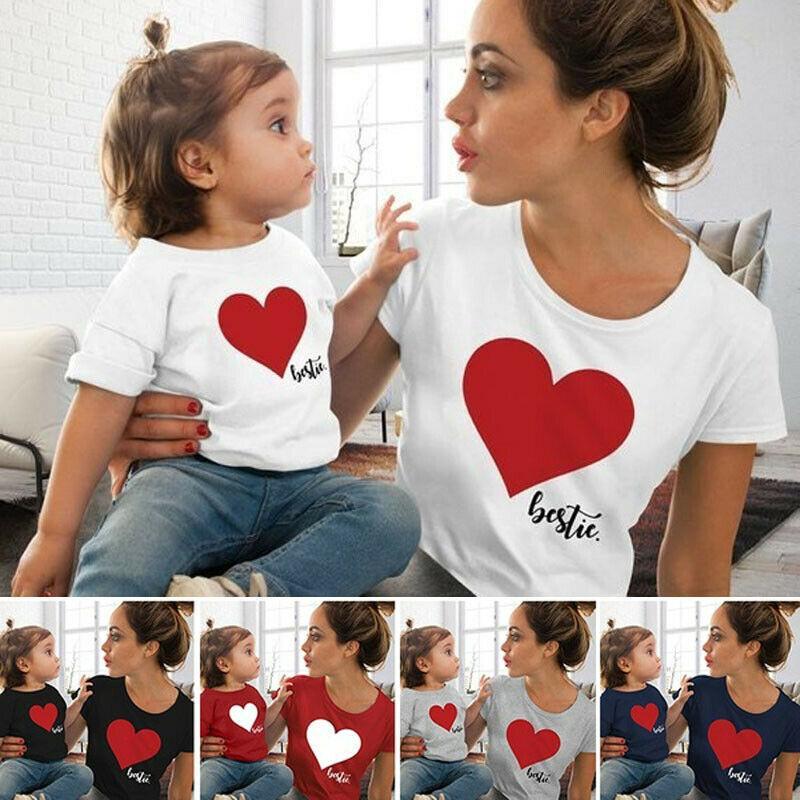 2020 عائلة مطابقة تتسابق الأم والطفل الأم وابنتها مطابقة الملابس القلب مطبوعة تي شيرت قمم بلوزة مصمم
