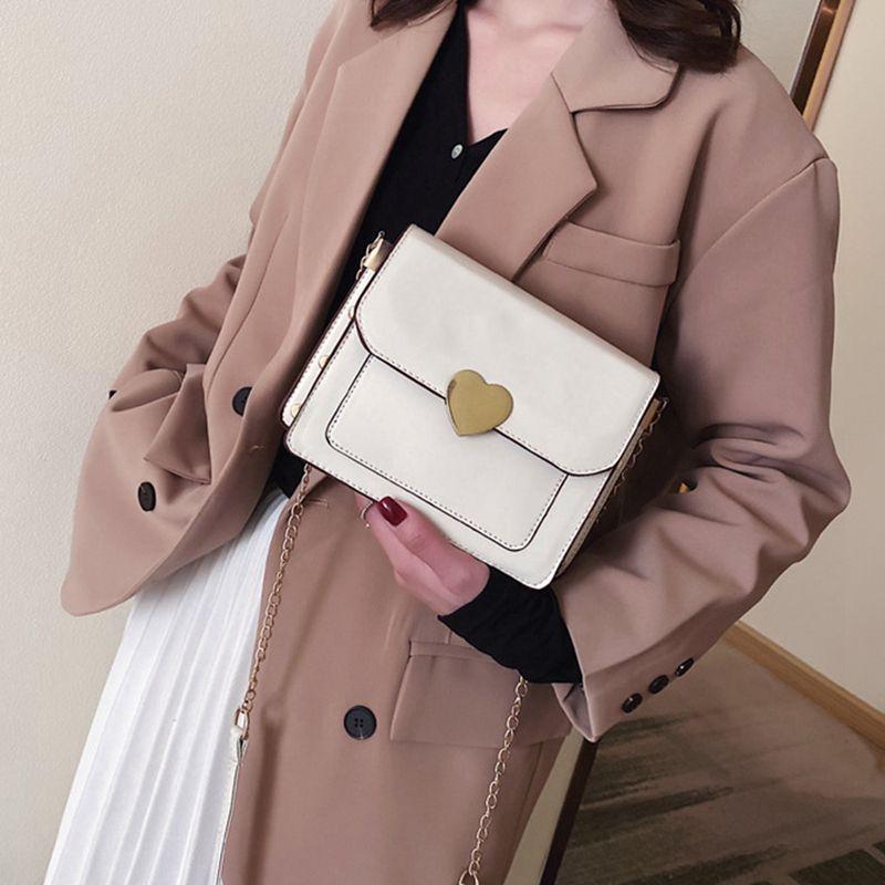 2020 Casual Catene Flap Borse Donne Cuore Rivet spalla borse 2020 di spalla di lusso Messenger Bag femminile borse e portamonete