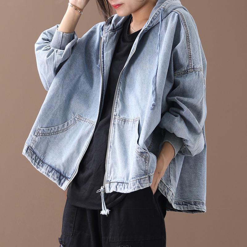 Женский новые осенний плюс размера верхней одежды литературного шнурка с капюшоном промывает случайную белую рыхлую денима короткую куртку