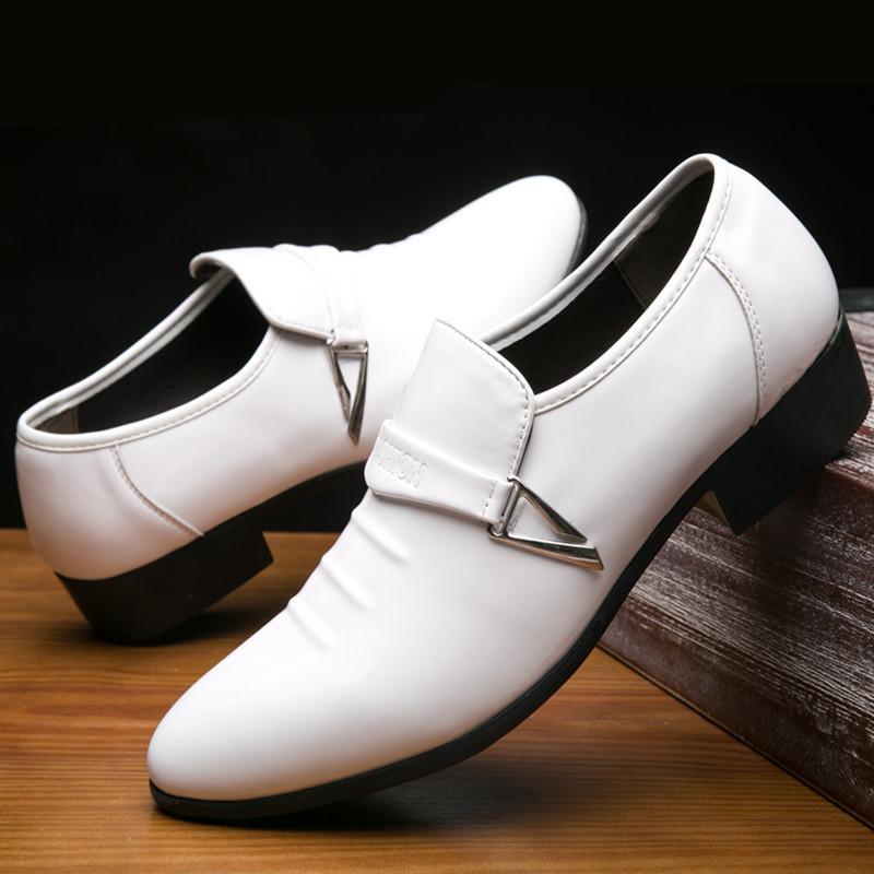 38 ~ 48 Vestido blanco Zapatos Traje formal de la boda de cuero de los holgazanes hombre se deslizan en punta estrecha zapatos planos del holgazán Italiana Inglesa comerciales