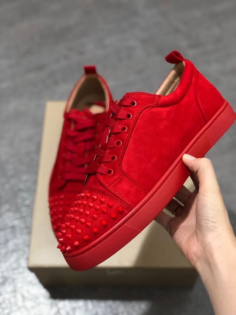 Erkekler Çivili Spikes spor ayakkabısı Kırmızı alt Tasarımcı ayakkabı Düşük üst Süet beyaz deri Süet Parti ayakkabı Düğün ayakkabılar 5-12,5 ABD'li eğitmenlerin