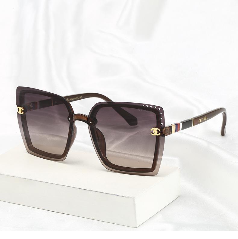 Designer óculos de sol de luxo óculos de sol à moda da Moda para o transporte Womens UV400 Mens vidro Marca Carta Vidro gratuito