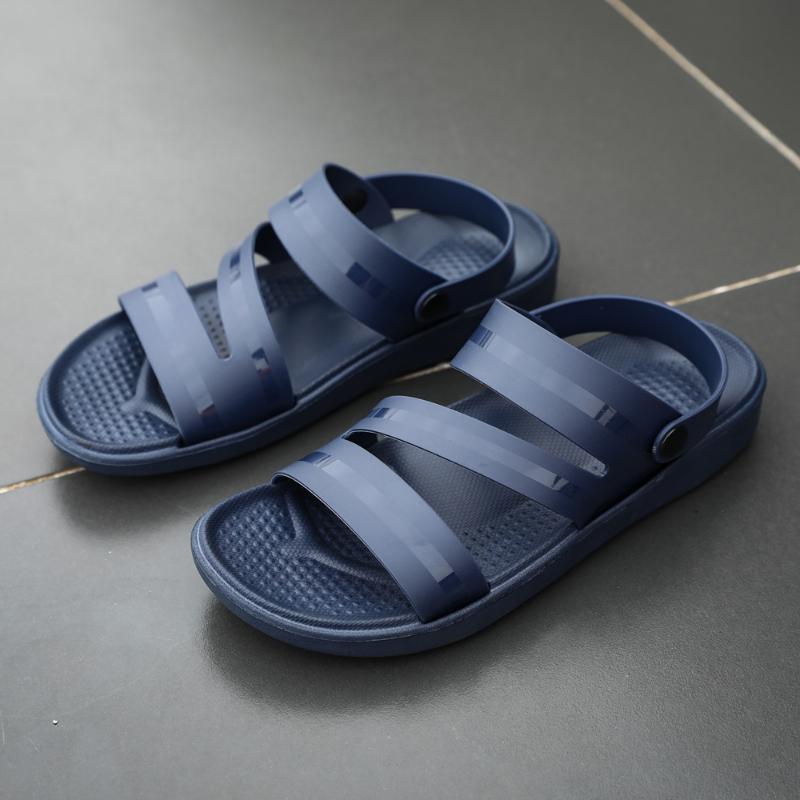 Sandali 2021 Moda uomo Estate Casual Casual da passeggio all'aperto Spiaggia maschile Scivoli maschili Traspirante Leggero Leggero Flip flops da uomo Pantofole