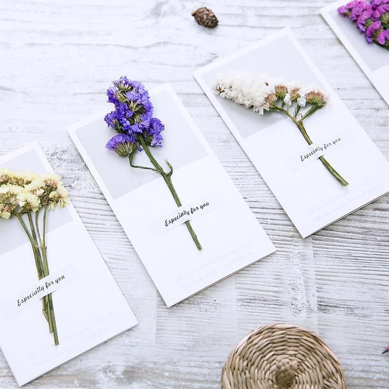 DIY Kraft Paper Cartões com festa de aniversário do casamento da flor do Envelope Handmade seco Convites favores Supplies Decors