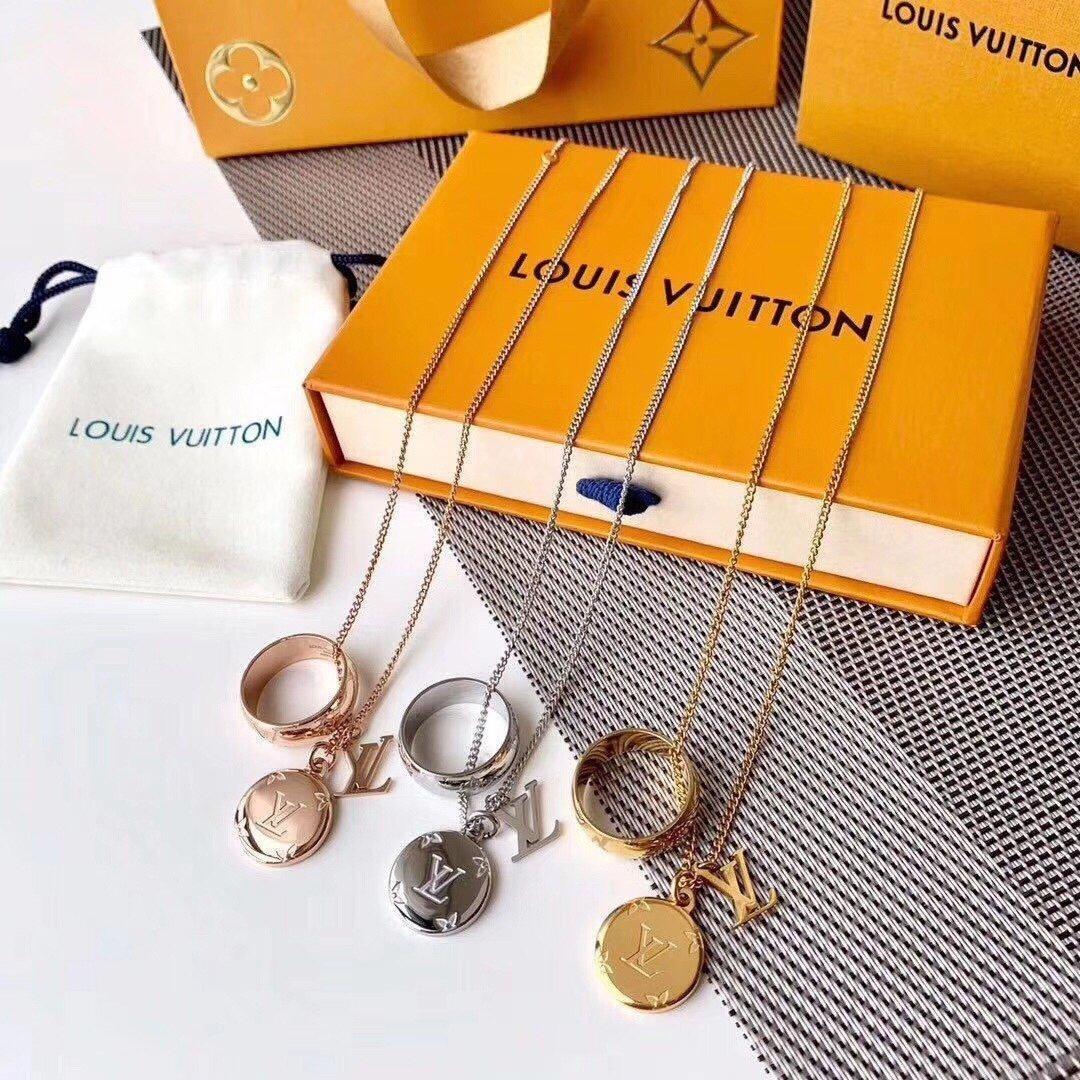 LOUISVuitton tasarımcı takı hip hop tasarımcı kolye kelebek kolye mens 14k altın zincir baş harfi P14 dışarı buzlu