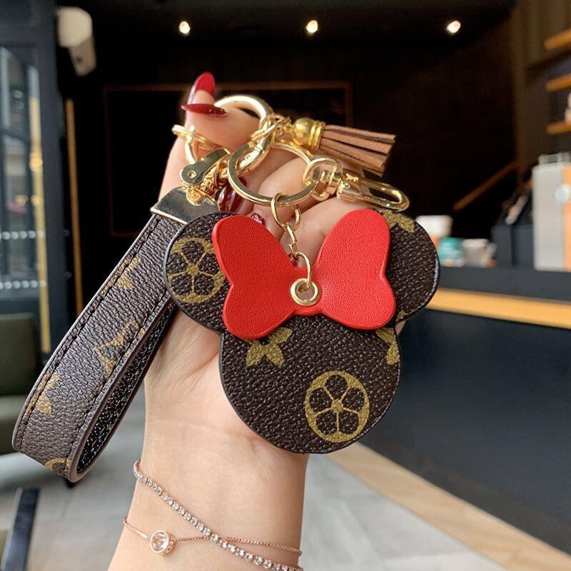 2020 Mode chaîne clé design de la marque Mode pour hommes cadeaux décoratifs et porte-clés commémorative des femmes