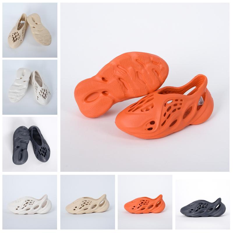 Kanye west foam runner sandal shoes resin triple bone black white desert sand Earth Brown mens women stylist slides sandals