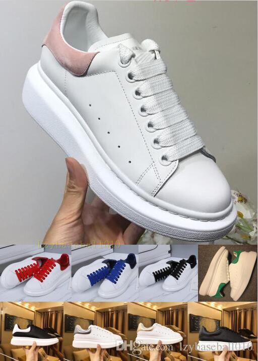 Boîte de luxe avec la plate-forme Designer Chaussures Blanc réfléchissant Triple velours noir d'or des femmes des hommes Parti Sneakers Casual Robe Chaussures en cuir