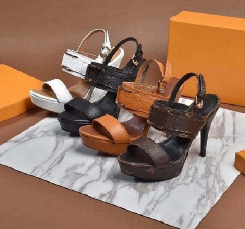 Classics Designer Frau Pantoffeln Art und Weise Strand Thick Boden Pantoffeln Luxus Alphabet Dame Sandalen Leder-Absatzschuhe bag04 1