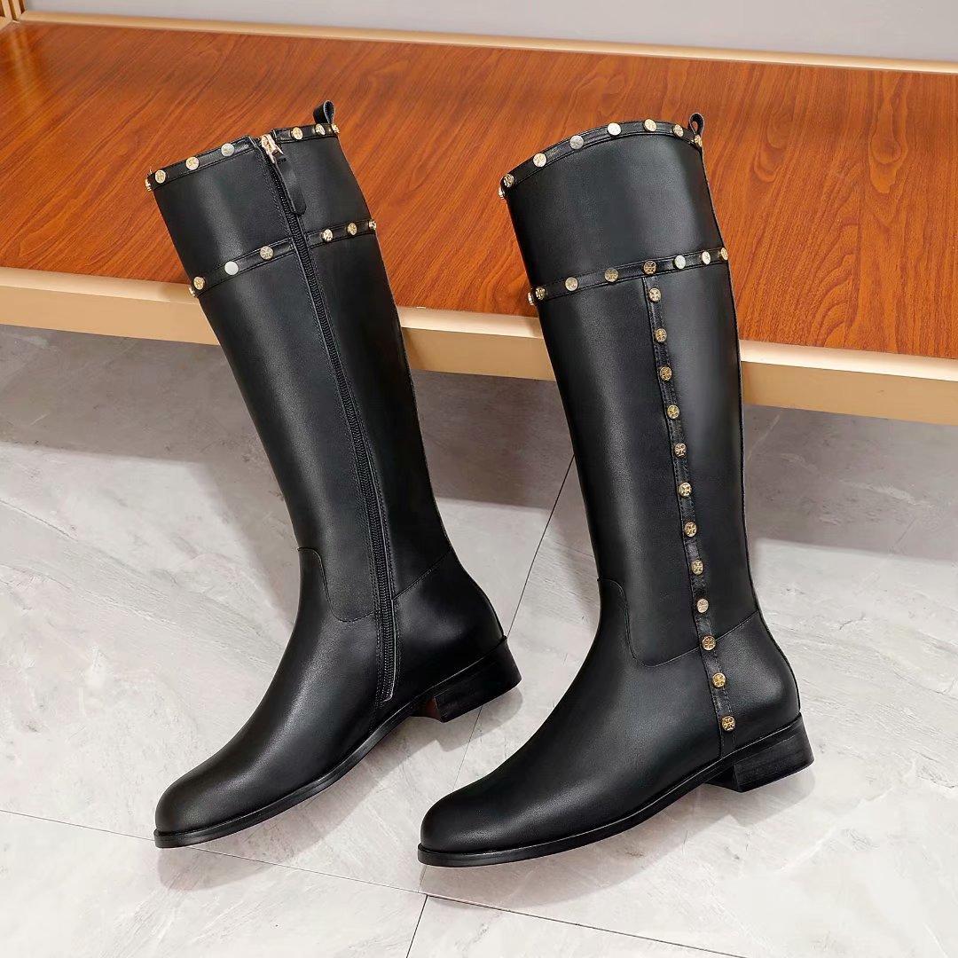Delle donne di marca in pelle di mucca inverno Abito da sposa Snow Boots moda High Top Rivetti lavoro Tooling scarpe Western Desert Martin stivali da pioggia, 35-42