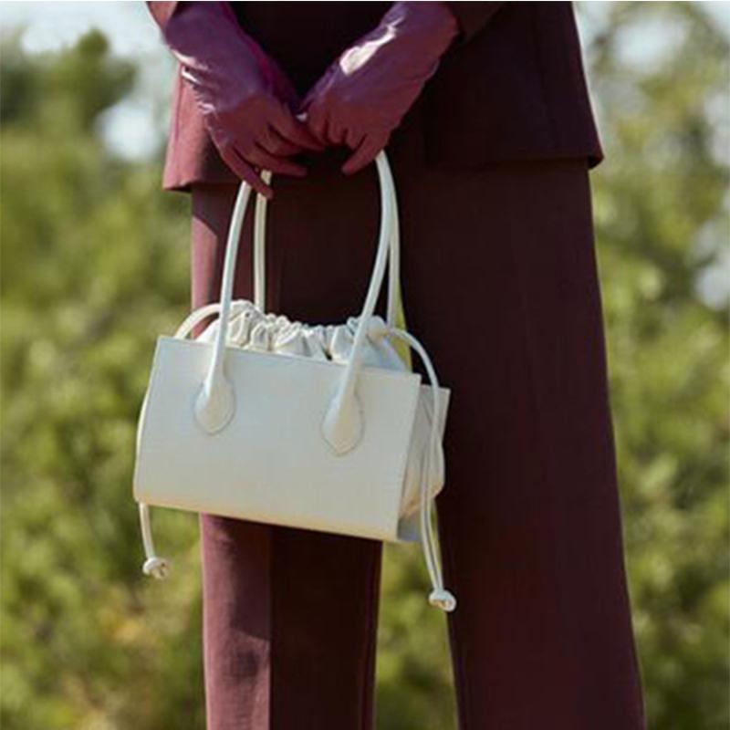 Mulheres Lidar com Handbags 2020 Drawstring Underarm Saco de Embreagem Coreano Bag Totes Bolsas Bolsa Mensageiro Mensageiro Mulheres Top Kgfax Blshs