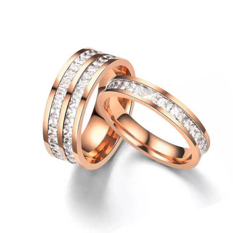2020 nouvelle petite bague carrée couple en acier inoxydable de diamant en acier de titane zircon cadeau Saint Valentin Livraison gratuite
