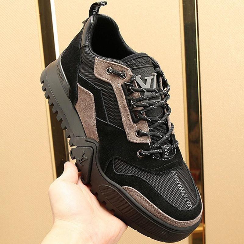 Classic Mens scarpe di moda le scarpe di lusso di sport per gli uomini traspirante design Appartamenti fitness Zapatos Deportivo Para Hombre Uomini Luxury Design Vendita
