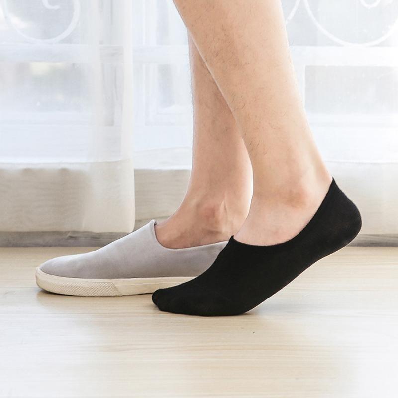 5pair / lot No Show de algodão Homens Meias cor sólida preto Branco Anti-derrapante Silicone Invisible Casual Sock Primavera-Verão Estilo Autumn