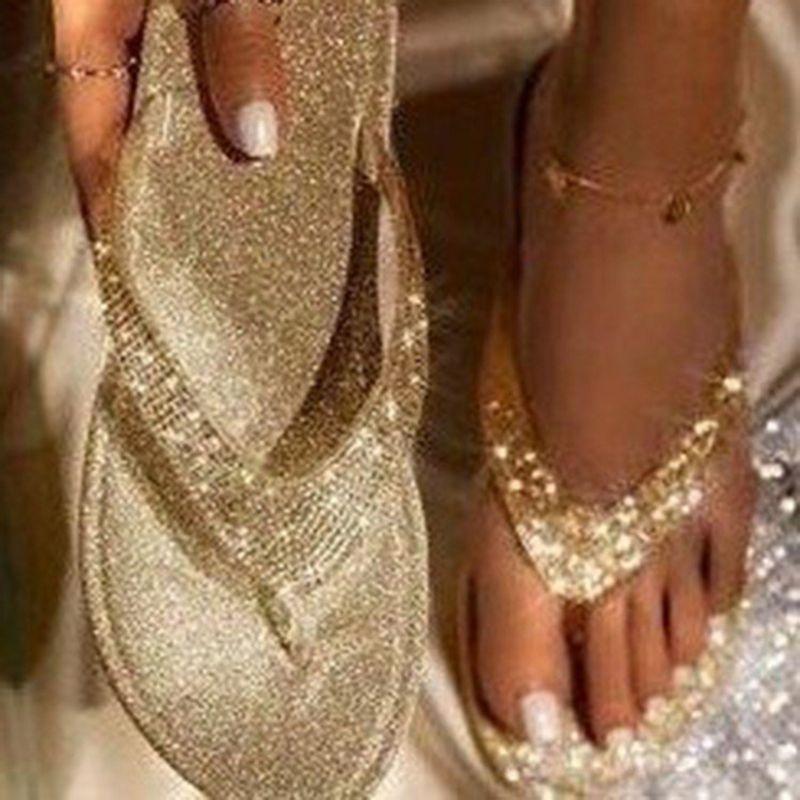 Verão Rhinestone Flip Flops Women Shoes Diamante Chinelos de cristal Fora Casual Praia Slides Chinelos Ladies Plano de salto alto